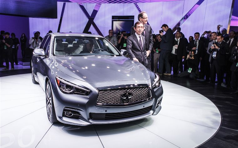 detroit auto show infiniti reveals the all new 2014 q50 aka the old g35 cop the new benz. Black Bedroom Furniture Sets. Home Design Ideas