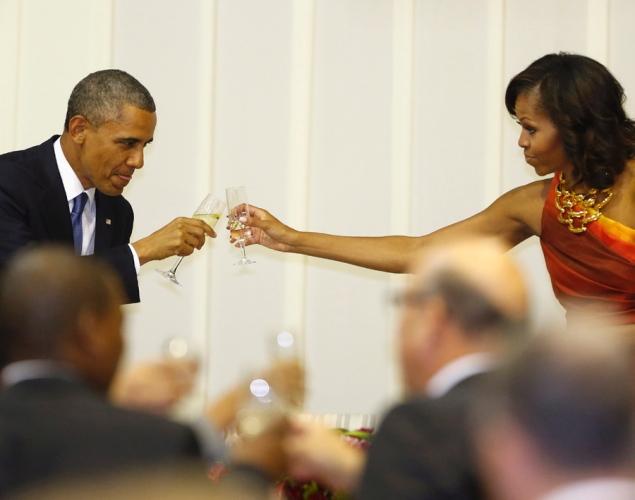 president-obama-michelle-obama-pretoria-south-africa